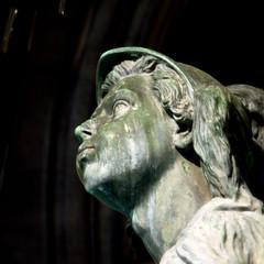 Fischbrunnen (zeze57) Tags: fountain statue germany munich mnchen deutschland olympus sq marienplatz duitsland e510 squareshot zeze57