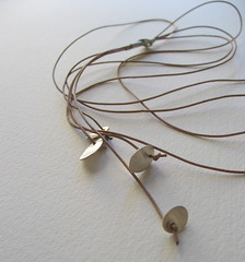 Silver and leather lariat (Nubia Goncalves) Tags: leather silver jewelry ng colar prata couro