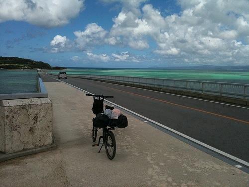 古宇利島に渡る古宇利大橋