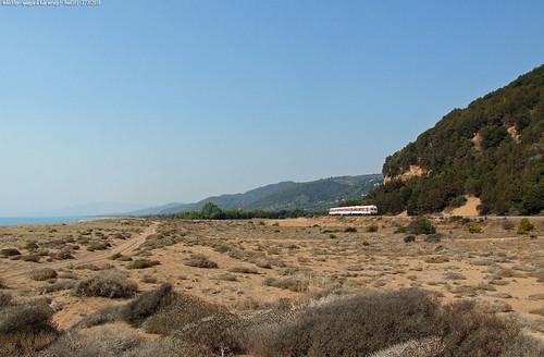 0se (ferrovie greche )un 6501 sulla spiaggia spiaggia di kalonero