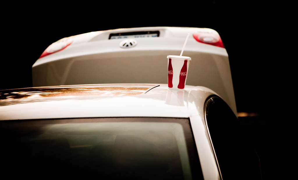 Coke on Car [EOS 5DMK2 | EF 24-105L@105mm | 1/2500 s | f/4 | ISO400]