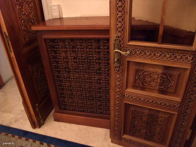 Les portes regorgent de motifs décoratifs