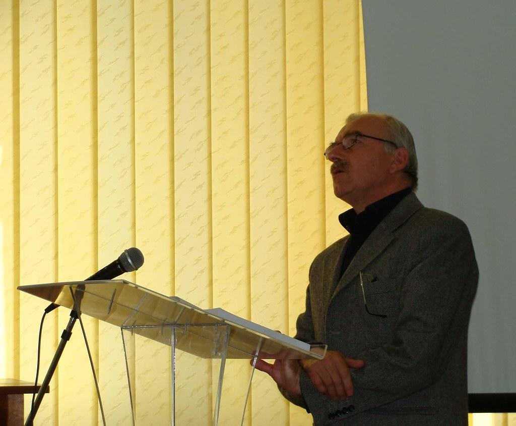 Fotocronica: Acad. Dimitrie Vatamaniuc aniversat la 90 de ani în cadrul Salonului Literaturii Române în Bucovina (2)