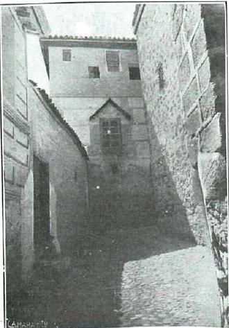 Parte trasera de la Iglesia de San Andrés en 1919. Revista La Esfera