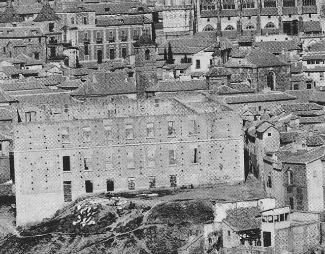 Seminario e iglesia de San Andrés en 1872. Fotografía de Jean Laurent (detalle)