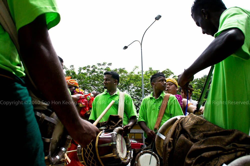 Musician on the way to Sri Muneeswarar Temple, KL, Malaysia