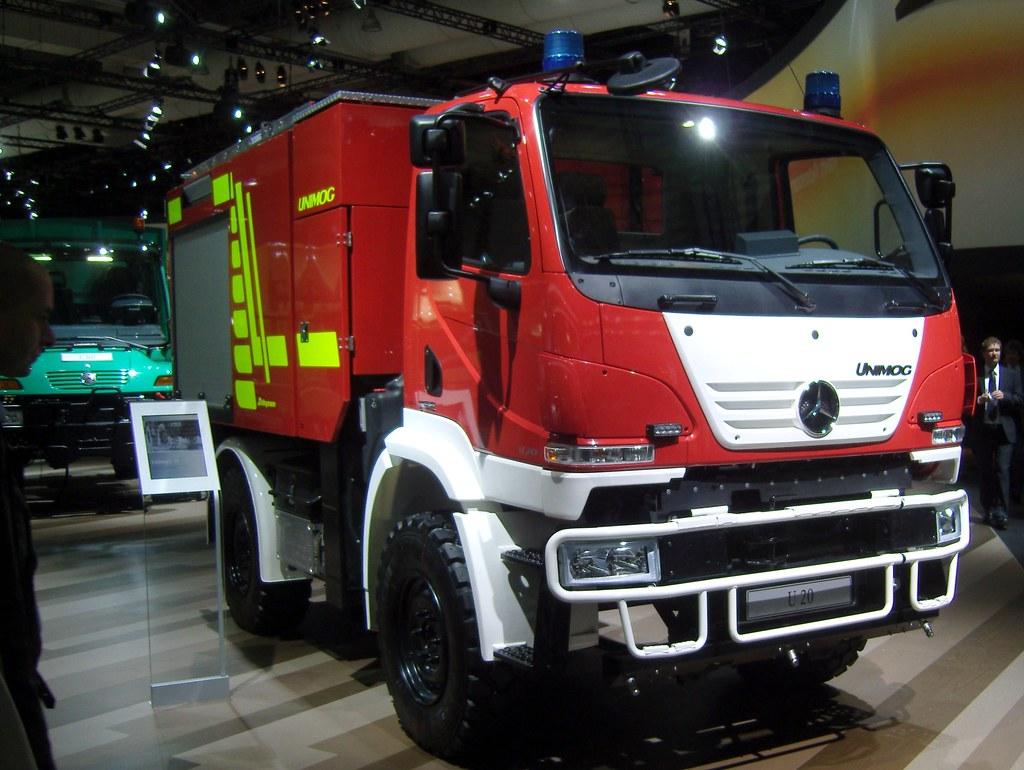 4b39ae97e8 Mercedes Benz UNIMOG U 20 ... (bayernernst) Tags  rot truck germany