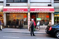 Schweden Espresso (se_kwien) Tags: vienna wien man austria cafe chairs strasse mann stuehle oesterreich stiegl kaffeehaus schwedenplatz at laurenzerberg schwedenespresso