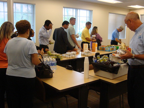 Internet Marketing - Attendees That Are About To Have FREE Lunch by JImmy Walls