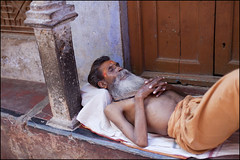 Sleep - Varanasi (Roy Del Vecchio) Tags: sleeping india man asia sleep varnasi