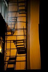 (Oneris Rico) Tags: luz contraluz ventana sombra frio escaleras
