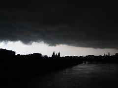 Casi se acaba el mundo (guille2211) Tags: zaragoza tormenta