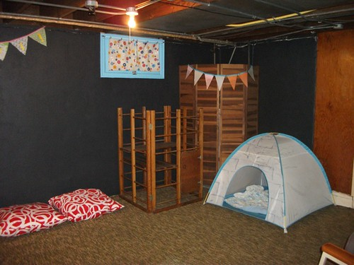 playroom tent corner