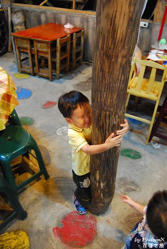 爬樹咧?? :D