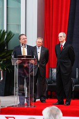 Brocade_Ribbon_Cutting04_thumb