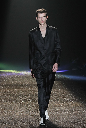 SS11_Tokyo_@IZREEL002_Gabriel Gronvik(Fashionsnap)