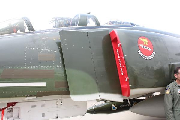 EAA10_F-4E_11