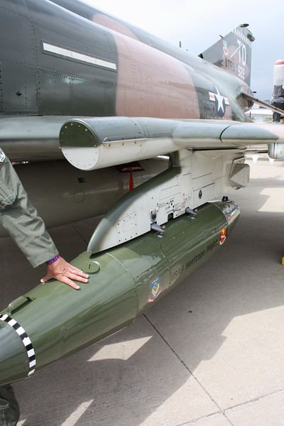 EAA10_F-4E_15