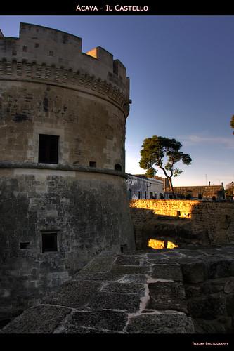 italia torre monumento fusion castello salento puglia hdr... (Photo: Ylejan on Flickr)