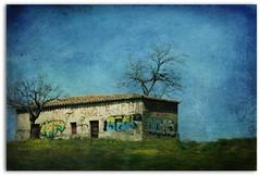 DESDE LA CARRETERA (Luz D. Montero Espuela. +2 Millones Visitas. Gra) Tags: verde azul casa spain arboles carretera pentax amarillo pintadas espagne texturas tejas espana flickraward skeletalmess pentaxk7 luzdmonteroespuela