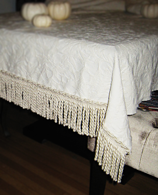 DIY fall tablecloth+thanksgiving tablecloth+make your own holiday table cloth