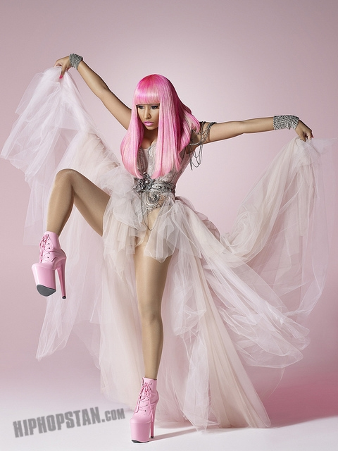 nicki minaj pink friday bleached skin (2)