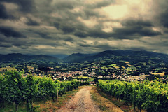 Wine Classification (Jurjen Harmsma Photography) Tags: light vacation sky holiday storm france mountains green clouds canon licht landscapes vakantie groen colours fotografie air wolken views frankrijk bergen dslr lucht 2009 photographing kleuren landschappen heuvels gezichten airscapes eos1000d perynes peryneen luchtgezichten