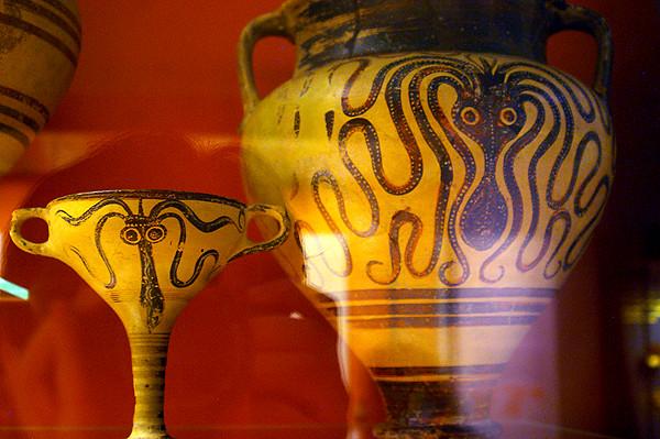 minoan pottery.JPG
