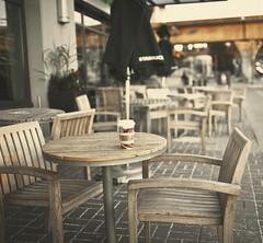 [210/365] So freakin' cold! (ng.kelven) Tags: morning coffee vancouver starbucks gingerbreadlatte 35mmf14 canon5dmarkii