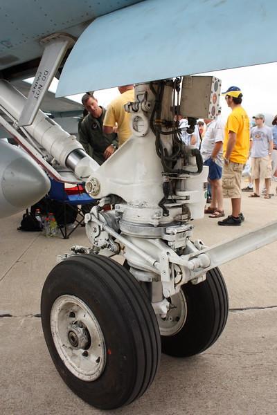 EAA10_FA-18C_021
