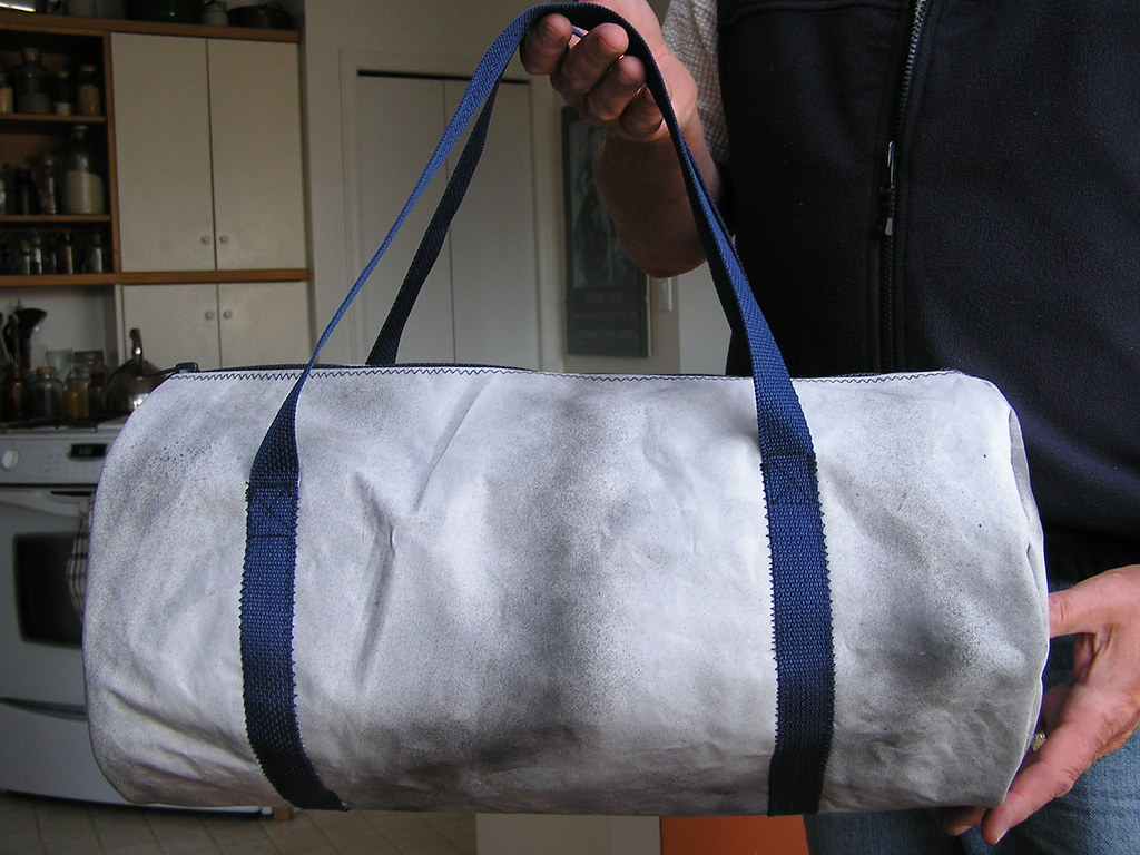 949e7b3f4a68 Everything Old  Extra Awesome DIY Recycled Duffel Bag Tutorial
