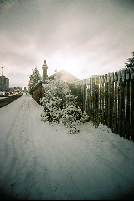 281110_ Vivitar Ultra Wide & Slim_ snowfall in Motherwell #20