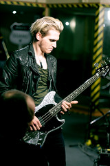My Chemical Romance - Mikey Way (Rodrico) Tags: session maidavale mychemicalromance gerardway bbcradio1 raytoro franklero mikleyway