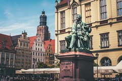 Fredro (karolklaczynski) Tags: fuji fujifilm xt1 wroclaw poland polska monument sculpture aleksander fredro city market square architecture oldtown town tower old street 35mm