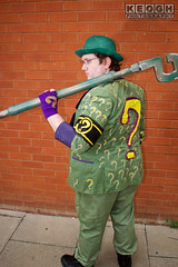 IMG_1797.jpg (Neil Keogh Photography) Tags: gloves tie dccomics theriddler shirt bowlerhat pants tv jacket questionmark videogames film male boots purple batman suit manchestersummerminicon cosplay cosplayer black green glasses comics walkingcane white
