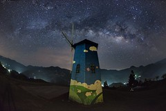 清境農場~風車銀河~ Windmill milkyway (Shang-fu Dai) Tags: 台灣 taiwan 南投 nikon d800e sky landscape formosa galaxy 銀河 星空 tokinadx1017mm 魚眼 fisheye milkyway 清境農場 夜景