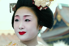 Katsuru at Baika Sai, Kyoto (richard thomson) Tags: portrait face festival japan japanese kyoto maiko geiko geisha redlips teaceremony ume matsuri lowangle nodate kitanotenmangu baikasai hanamachi kamishichiken plumblossomviewingfestival