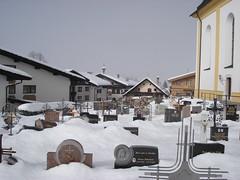Snow covered graveyard, Soll (stevenhoneyman) Tags: foothills mountain snow ski alps church graveyard austria europe skiing headstones alpine kaiser osterreich alp gravestones tyrol wilder salve hohe welt kufstein soll tyrolean skiwelt solllandl
