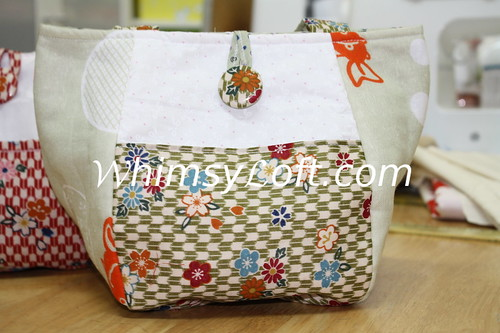 Rounded bottom Japanese tenugui bag {GOLD FISH}