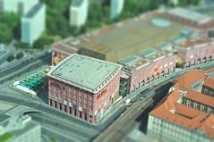 Alexa en Alexanderplatz (ACido) Tags: berlin alexanderplatz fernsehturm telespargel tiltshift mondadientes
