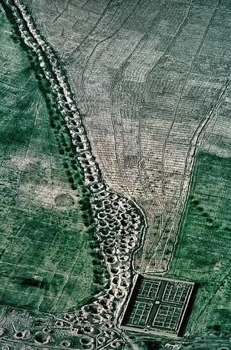 12坎兒井澆灌花園法爾斯,伊朗1976年。Qanat Watering Garden in Fars, Iran 1976