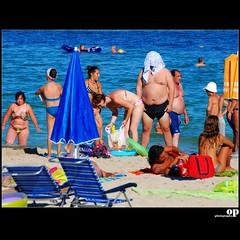 The Beach Monster - Magalluf, Mallorca (Osvaldo_Zoom) Tags: summer people beach monster island seaside spain nikon funny majorca palmademallorca magalluf d80 bealeari barealic