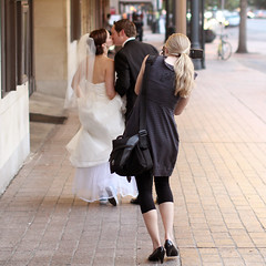 capturing the decisive moment... (jmtimages) Tags: street city wedding summer urban woman man canon austin square shoes couple downtown texas photographer weekend sunday september converse 7d heels t septembre allstar chucks dimanche 2010 carr