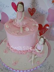 Linda's ballerina cake (Choclit D'lites) Tags: pink ballet girl ballerina pretty figurines girlie girlfigurines choclitdlites