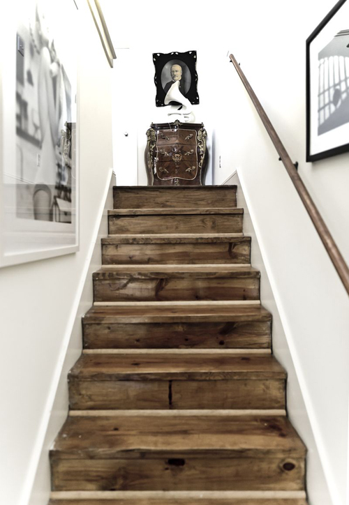 Today I am loving ….. this beautiful wooden stairs .
