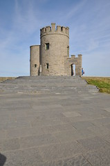 O'Briens Tower at the Cliffs of Moher (Marcus Meissner) Tags: tower marcus august irland cliffs september moher reise 2010 obriens studiosus meissner