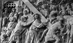 Jesus (istar_world) Tags: españa canon jesus catedral galicia cruz esther burgos historia ourense decoracion castillayleon valdeorras crucificado istar crucificcion 1000d estoa paradelo cruzuficar