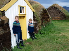 Glaumbær - Helgi Valur og Jón Örn (Ingólfur Arnarson) Tags: skagafjörður glaumbær torfbær