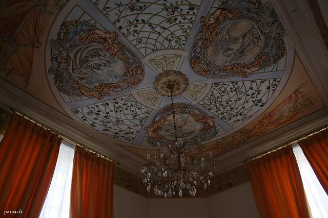 Plafond décoré d'une des salles de réception