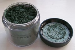 MAC Antique Green pigment